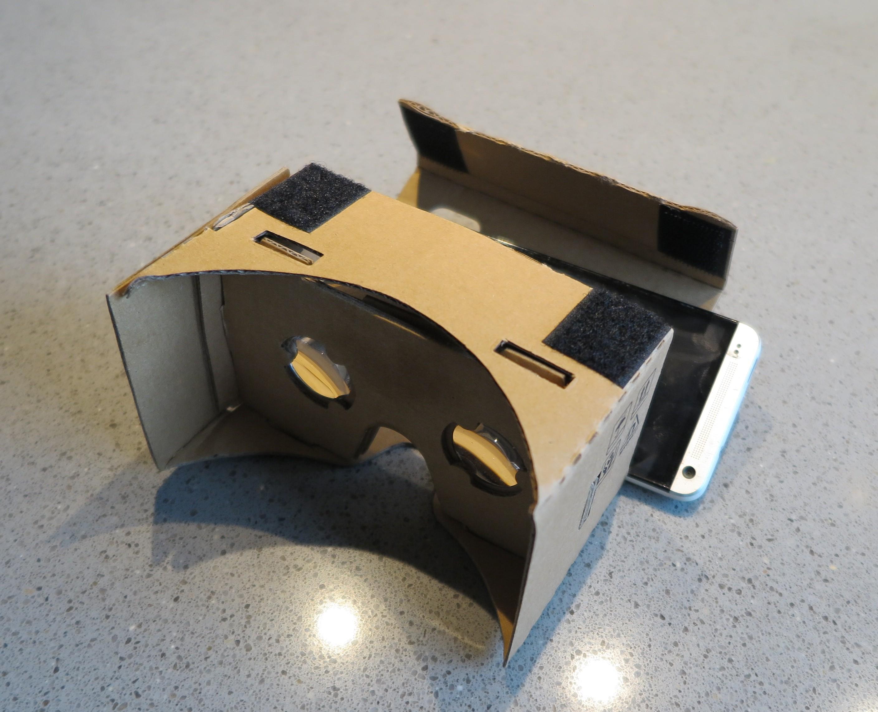 cardboard VR-bril met smartphone