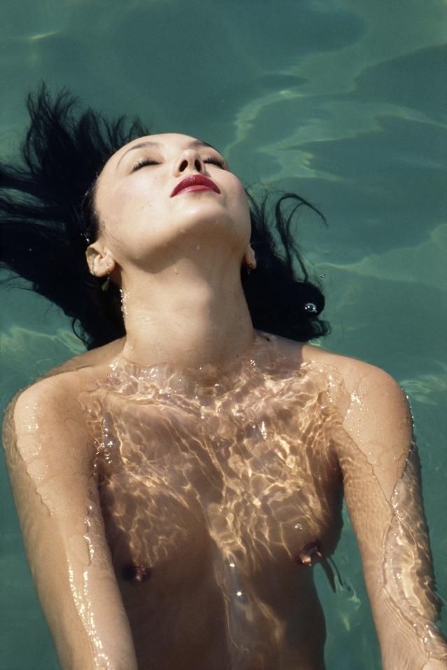 Marie-Bailey-a-la-piscine-d-Eden Roc_Cap-d-Antibes_septembre_1977